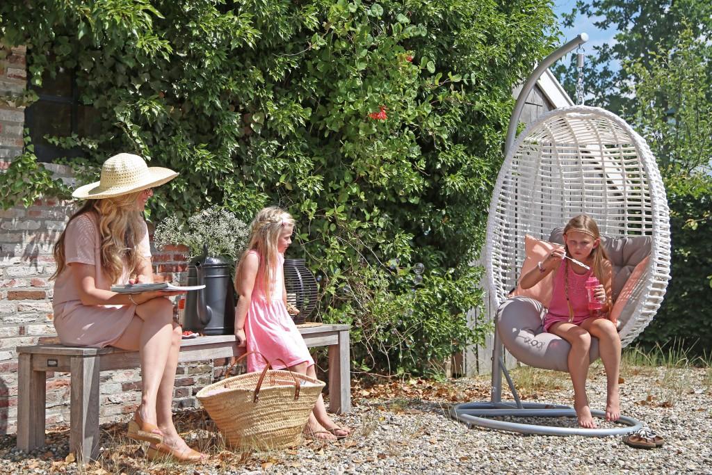 maisonbelle-tuinstyling-hangstoel